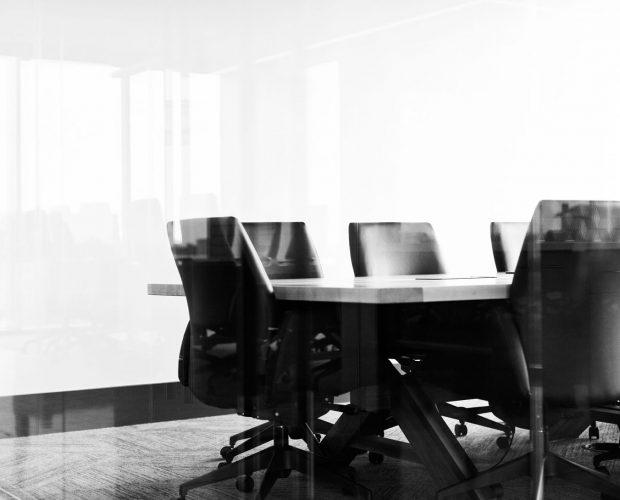 kontor-konferens-av-teknik-montering